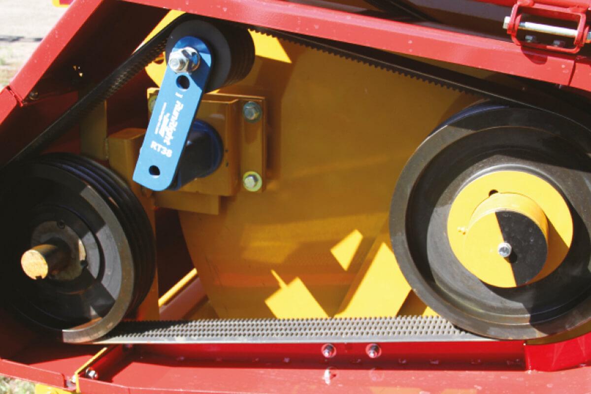 Haybuster H-800 Sistema de transmissão por correias