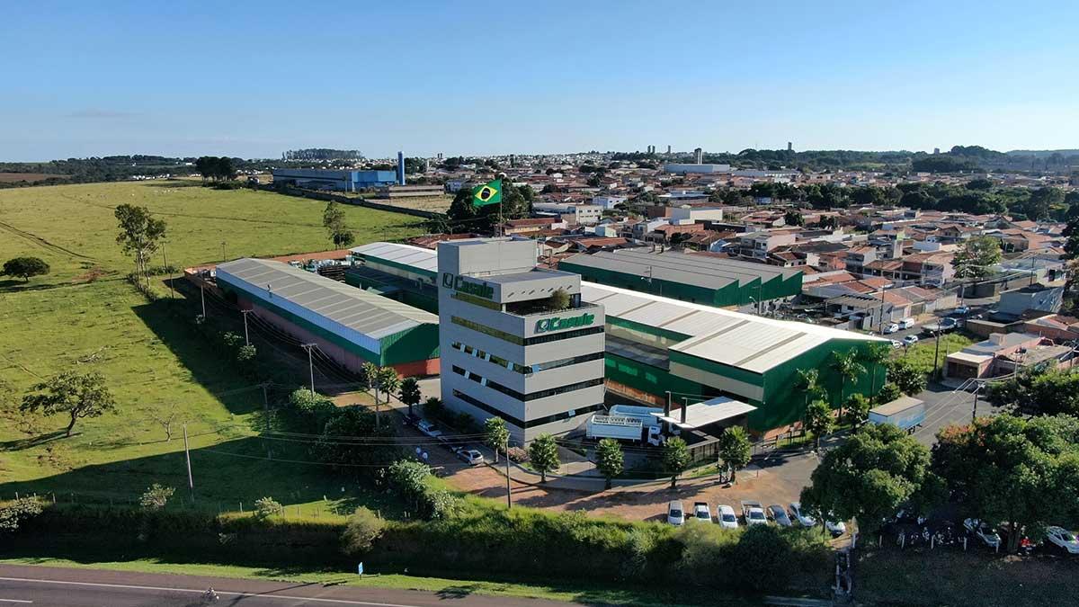 bandeira do Brasil na empresa Casale